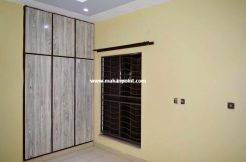 House for sale in samungli road makanpoint
