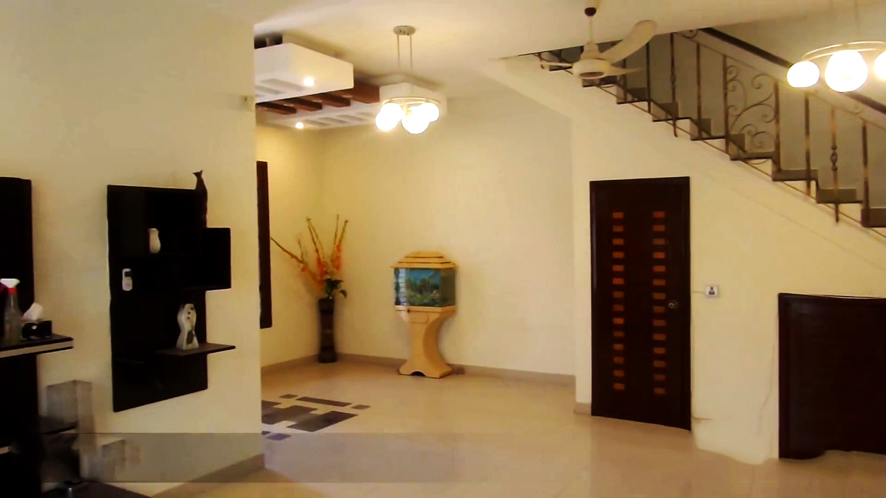 VIP bungalow for sale near jinnah town in private land.