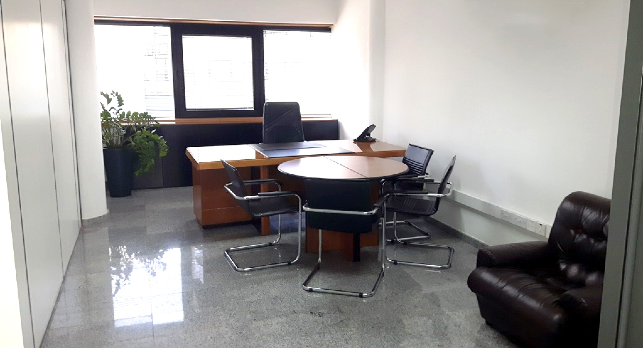 Furnished office for rent at jinnah road near Taxi stand